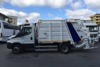 Iveco Daily 5+1 m3 Refuse Compactor