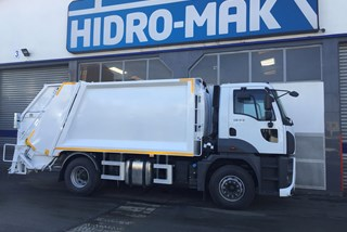 Ford Cargo 1833 DC Rear Loading Refuse Compactor 15+1,5m3