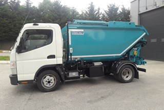 Satalite Tipper for Domestic Waste with Container Lifting